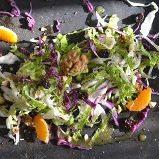 Bal ve Hardal Soslu Lahana Salatası