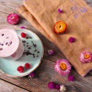Makbule Abla'nın Çiçekleri, Ahududulu Süt