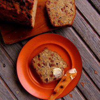 Muzlu Üzümlü Fındıklı Ekmek